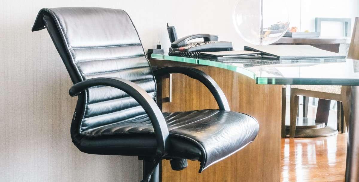 Intérêt du fauteuil ergonomique pour aménager un bureau